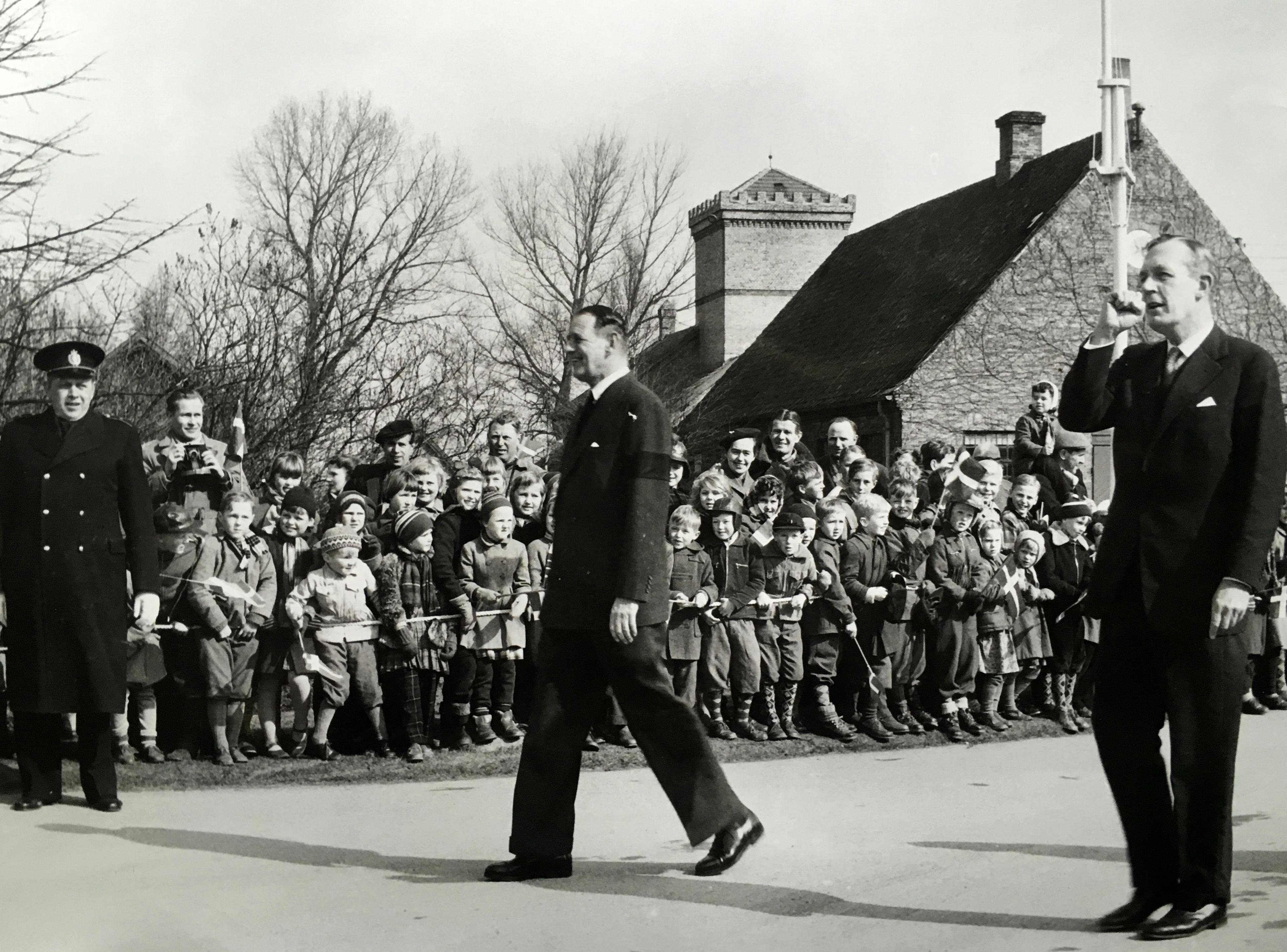 kong-frederik-og-dronning-ingrid-besoeger-hg-den-25-marts-1958-73