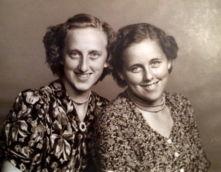 Monna og Tove i 1950